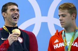 اتفاقی نادر در المپیک/ فلپس به همراه دو شناگر دیگر دوم شد