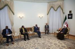 روحانی: مداخله سیاسی و حضور نظامی کشورهای غربی در بسیاری از کشورها یک معضل جهانی است