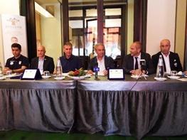 نشست مشترک کیروش با مدیر باشگاه اسپال/ بازی با بهترین تیم آسیا افتخار ماست