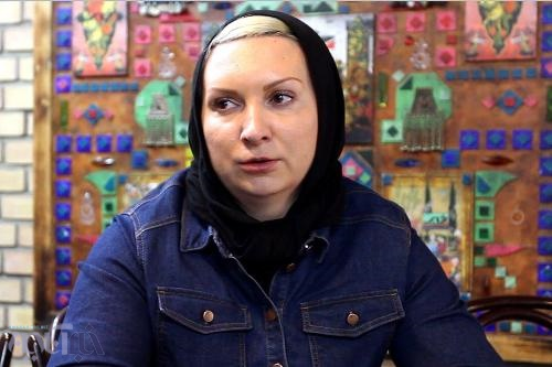فیلم   واکنش لیلا رجبی به جنجال مجری تلویزیون   خودم با گریه رفتم ...