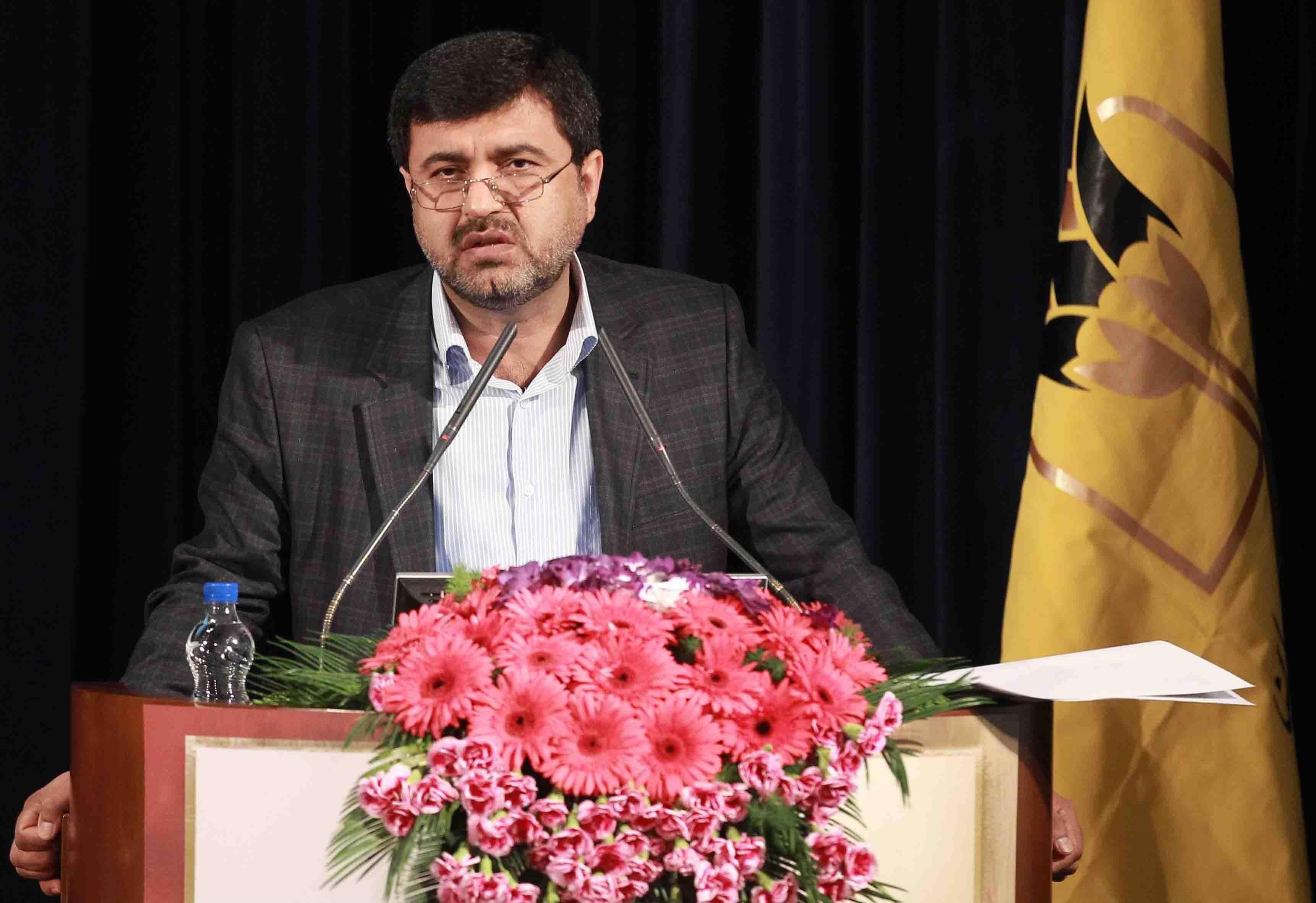 پرویزیان: بیاعتمادی بانکهای دنیا به شبکه بانکی ایران در حال فروپاشی است