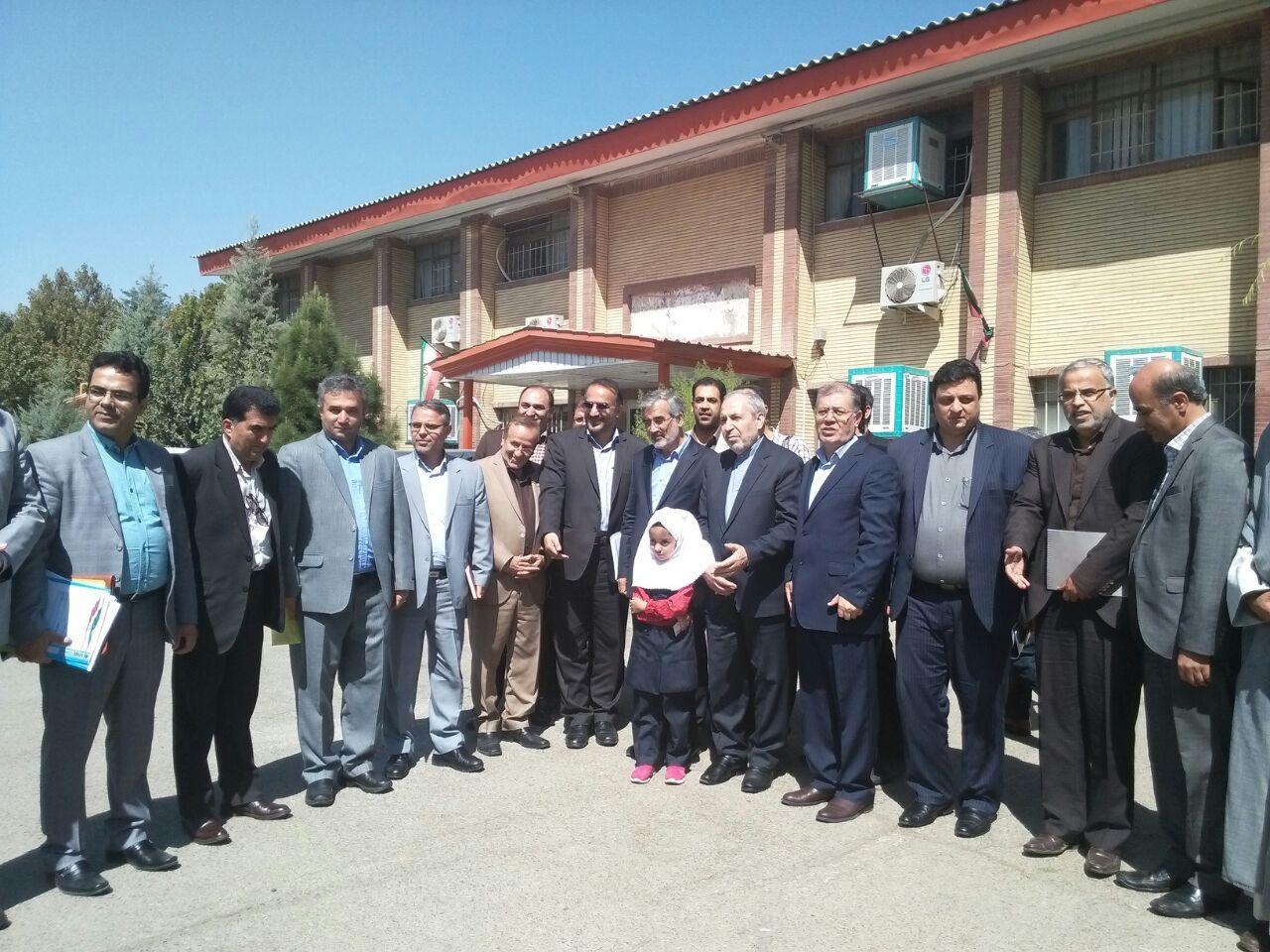 وزیر آمورزش و پرورش در کرج: بر جذب نیروهای بومی  آموزش و پرورش تاکید داریم