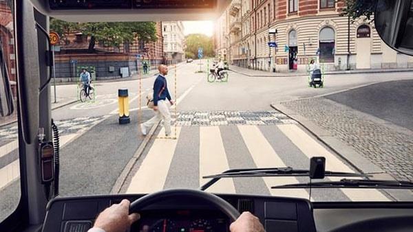 فناوری تشخیص عابر پیاده در اتوبوسهای ولوو