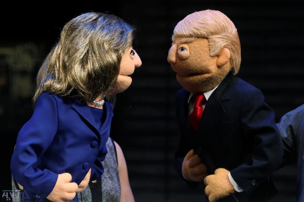 عکس | عروسک ترامپ و کلینتون در بازار داغ انتخابات ریاست جمهوری آمریکا