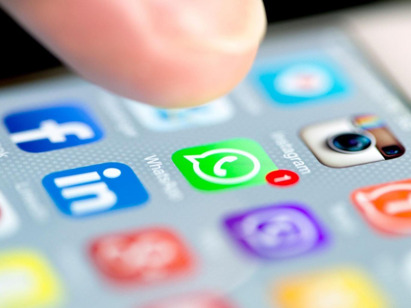 واتساَپ در آلمان از به اشتراکگذاری دیتای کاربران با فیسبوک منع شد