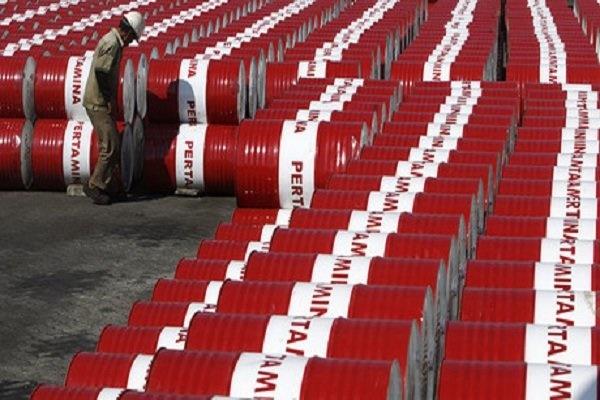 ایران به طور متوسط در سال گذشته چند میلیون بشکه نفت تولید کرد؟