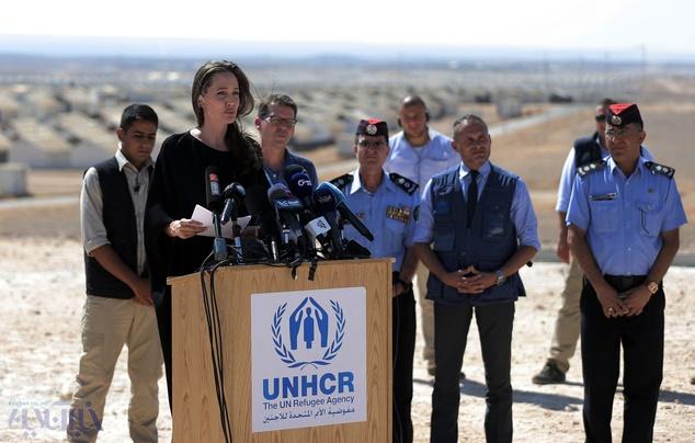 بازدید آنجلینا جولی از اردوگاه پناهجویان در اردن