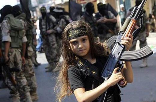 داعش و آموزش فنون جنگ به دختران