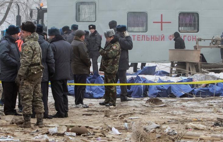 نخستین تصاویر از سقوط هواپیما در قرقیزستان | حداقل ۳۰ نفر کشته شدند