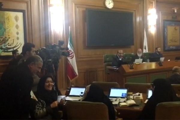 فیلم   طرح استعفای مسجدجامعی در صحن شورای شهر تهران