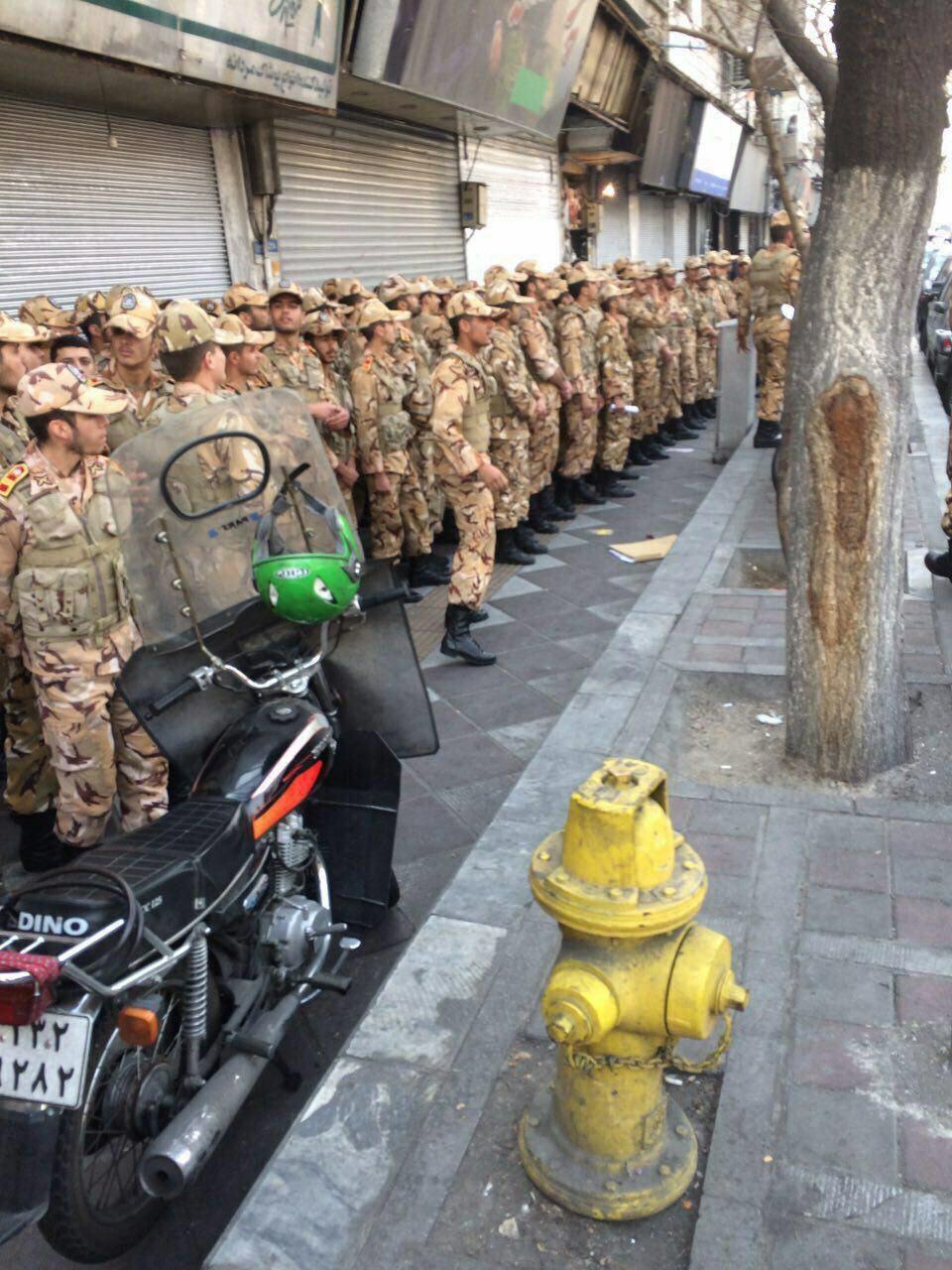 حضور یگانهای نیروی زمینی ارتش برای کمک به حادثهدیدگان آتشسوزی پلاسکو