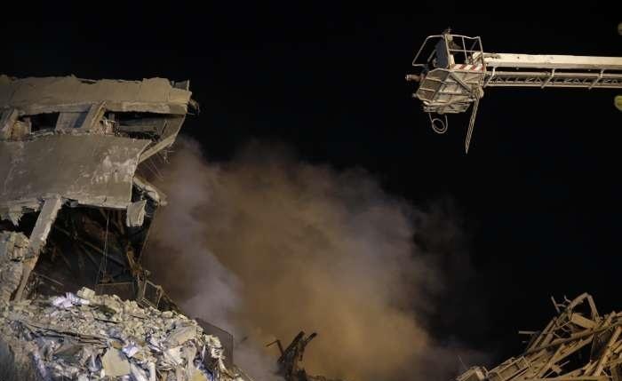 تصاویر | امدادرسانی شبانه در محل حادثه ساختمان پلاسکو