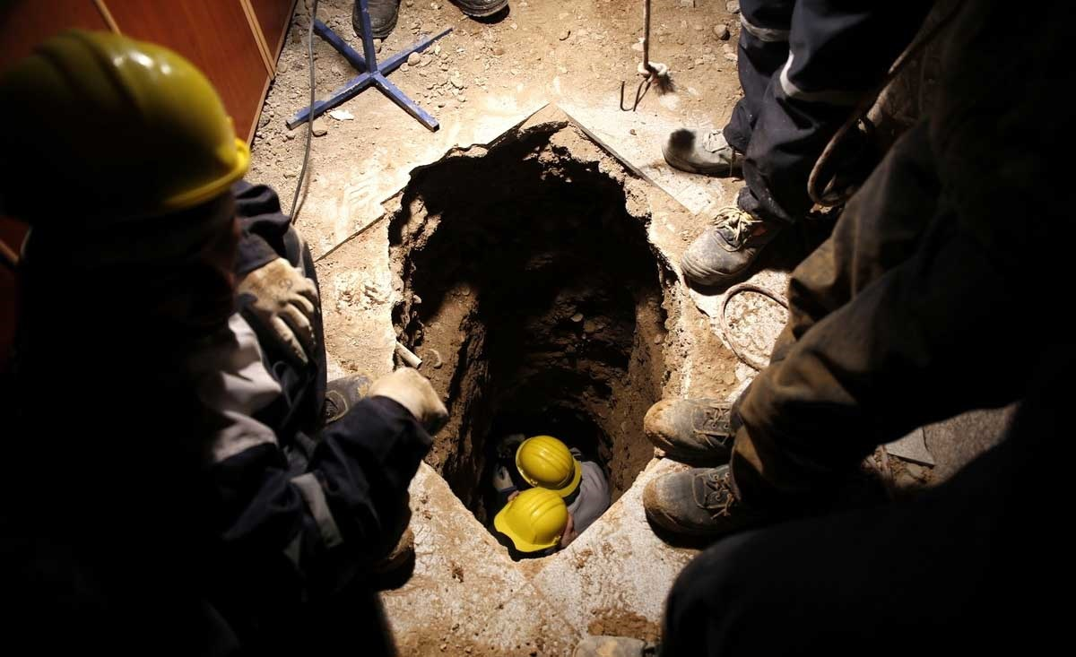 تصاویر | ادامه امدادرسانی فاجعه پلاسکو | حفر تونل برای یافتن آتشنشانهای محبوس