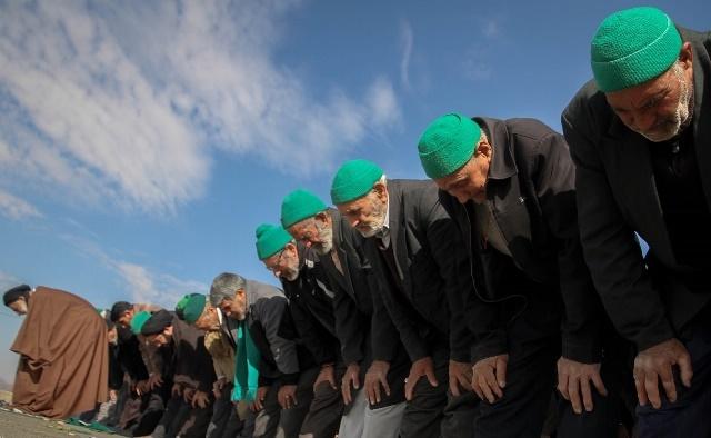 تصاویر |  نماز طلب باران در روستای سیوجان