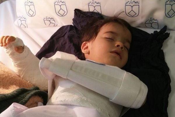 فیلم | اشتباه عجیب پزشکی | جراحی دست چپ کودک به جای دست راست در اصفهان