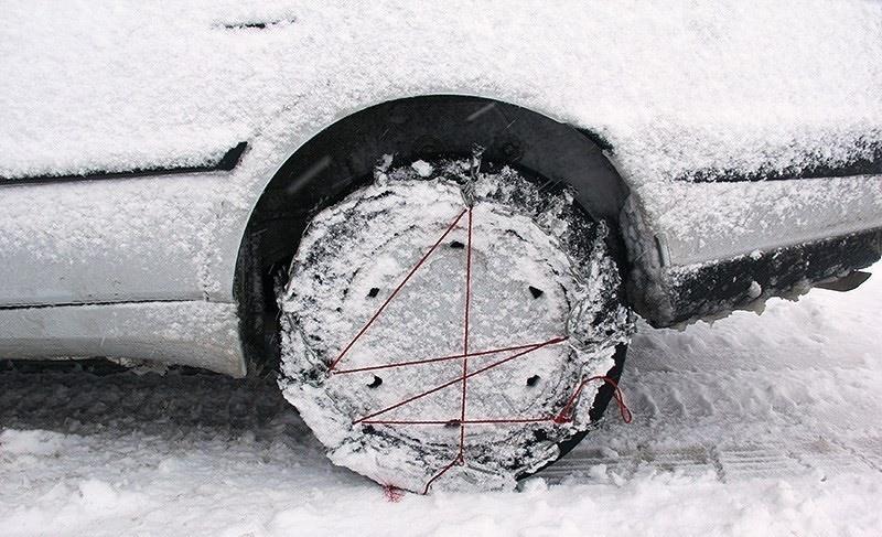 در محور ارومیه-اشنویه: ۲۰۰ خودرو از برف و کولاک نجات یافتند