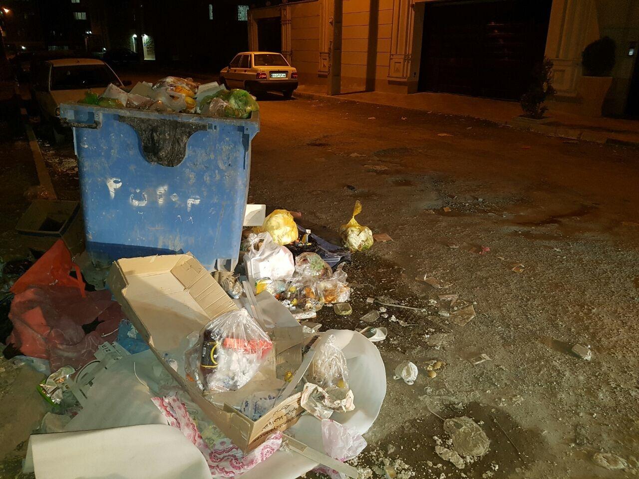 به داد شهروندان مجتمع مسکونی عقیق در دولتآباد برسید/ ساکنان: آسفالت نداریم، زبالهها تلنبار شده!