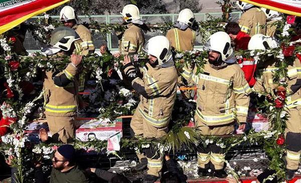 اشتباههایی که باعث شد آتشنشانها به جای تقدیر، تشییع شوند