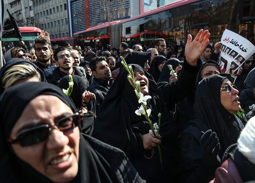تصاویر | سنگتمام مردم تهران برای شهدای آتشنشان