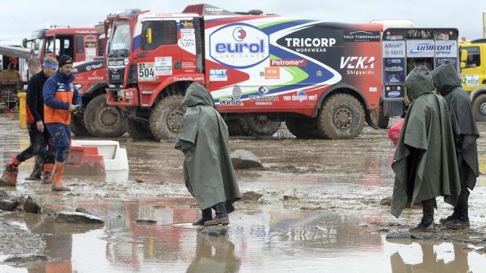تصاویر | لغو مرحله ششم رالی داکار به دلیل باران و گل و لای