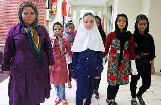 پیام تسلیت غمانگیز دختران شینآبادی به آتشنشانان قهرمان؛ «اشک میریزیم تا آتش پلاسکو خاموش شود»
