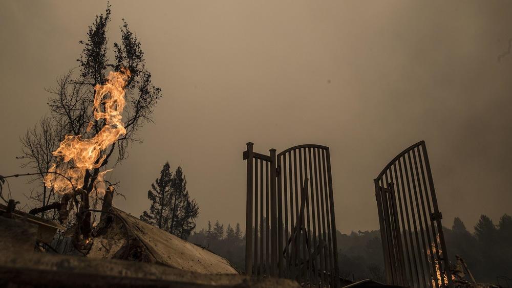 تصاویر | آتشی که کالیفرنیا را تبدیل به سرزمین ارواح کرد