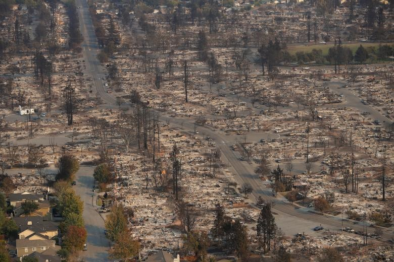 تصاویر هوایی از خسارتهای آتشسوزی در کالیفرنیا