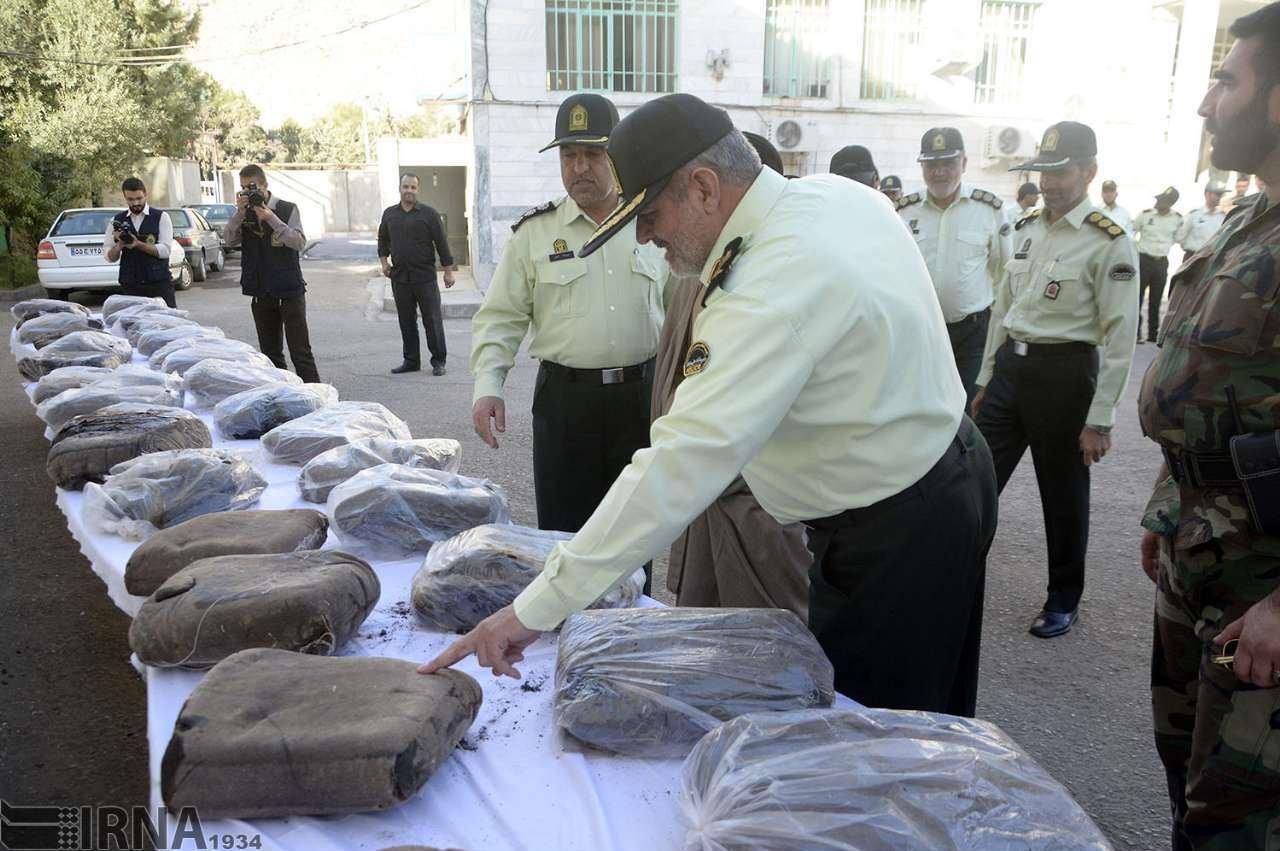 تصاویر | متلاشی شدن ۲ باند موادمخدر با ۴۰۵ کیلوگرم تریاک