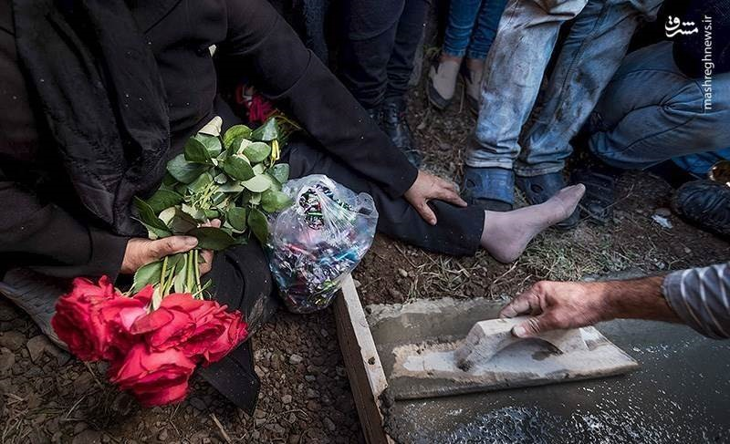 مراسم-خاکسپاری-اهورا-کودک-گیلانی-که-به-شکلی-فجیع-به-قتل-رسید-تصاویر