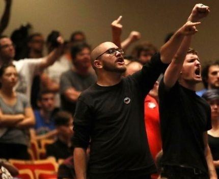 تصاویر | اعتراض علیه نژادپرستی در آمریکا با شعار «اینجا جای نازیها نیست»