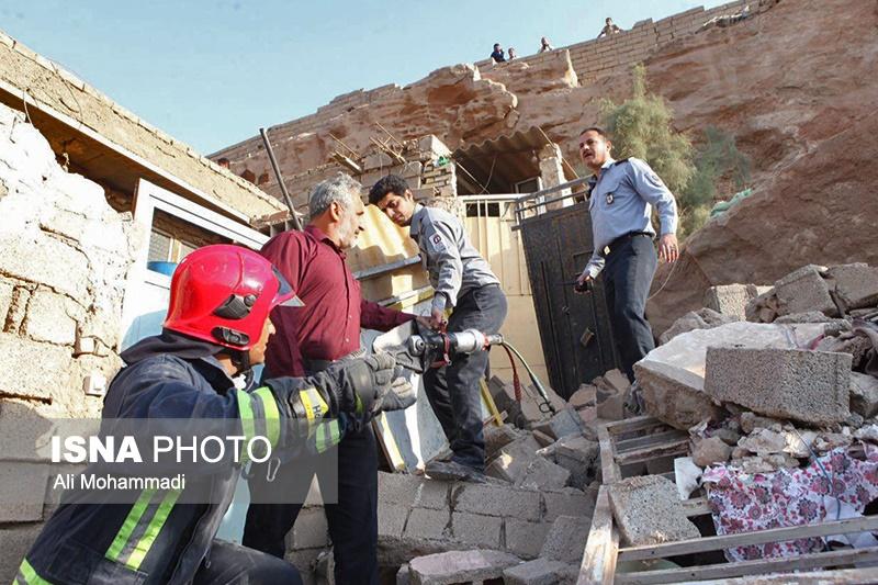 ایمنسازی محل حادثه ریزش کوه در اهواز در حال انجام است