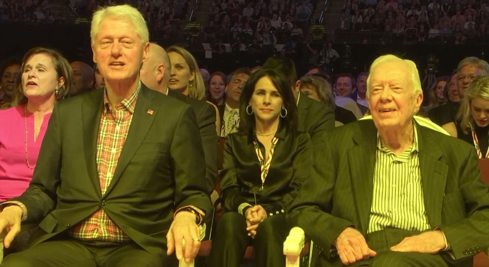 تصاویر | حضور ۵ رییسجمهور سابق آمریکا در یک کنسرت