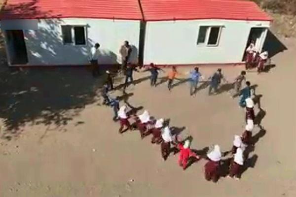 فیلم | کلاس درس کانکسی دانشآموزان روستای «میانبر»