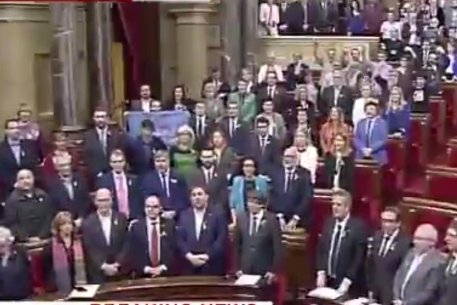فیلم | رأی مثبت پارلمان کاتالونیا به استقلال از اسپانیا