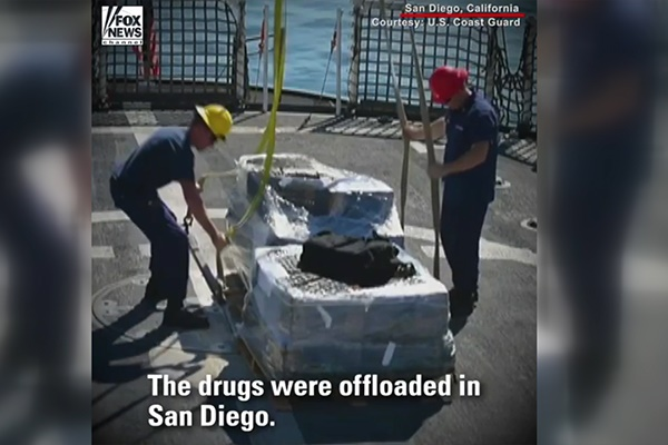 فیلم | توقیف بیش از ۳ تن کوکائین توسط گارد ساحلی آمریکا در کالیفرنیا
