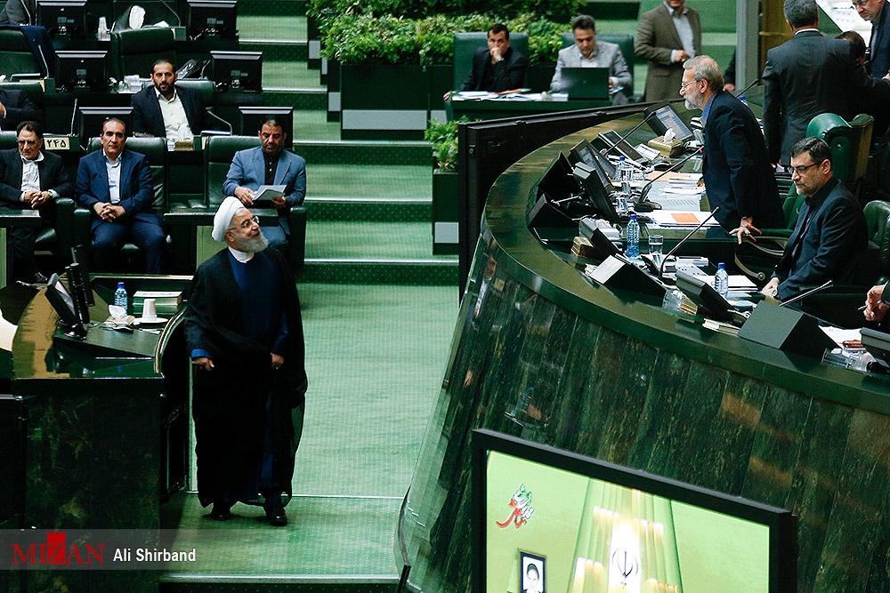 تصاویر | حضور روحانی در مجلس برای دفاع از وزرای پیشنهادی علوم و نیرو