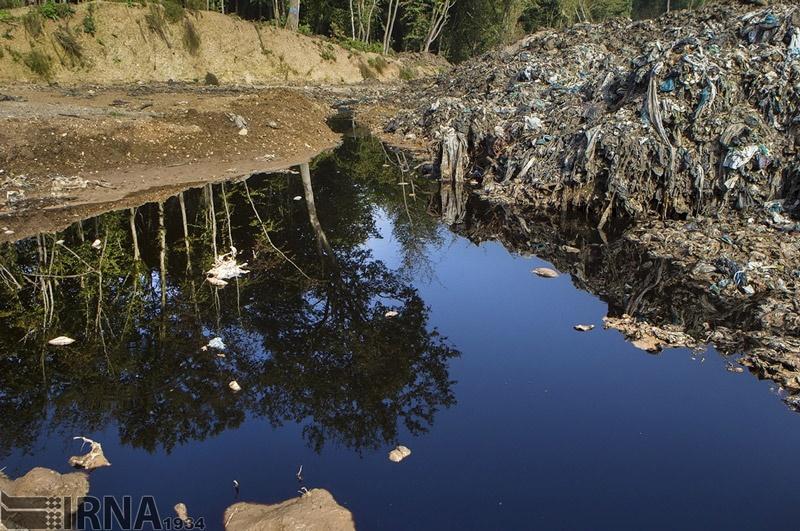 تصاویر   جنگلهای سراوان در محاصره زبالهها