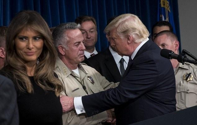 تصاویر   عیادت ترامپ و همسرش از مجروحان حادثه مرگبار لاسوگاس