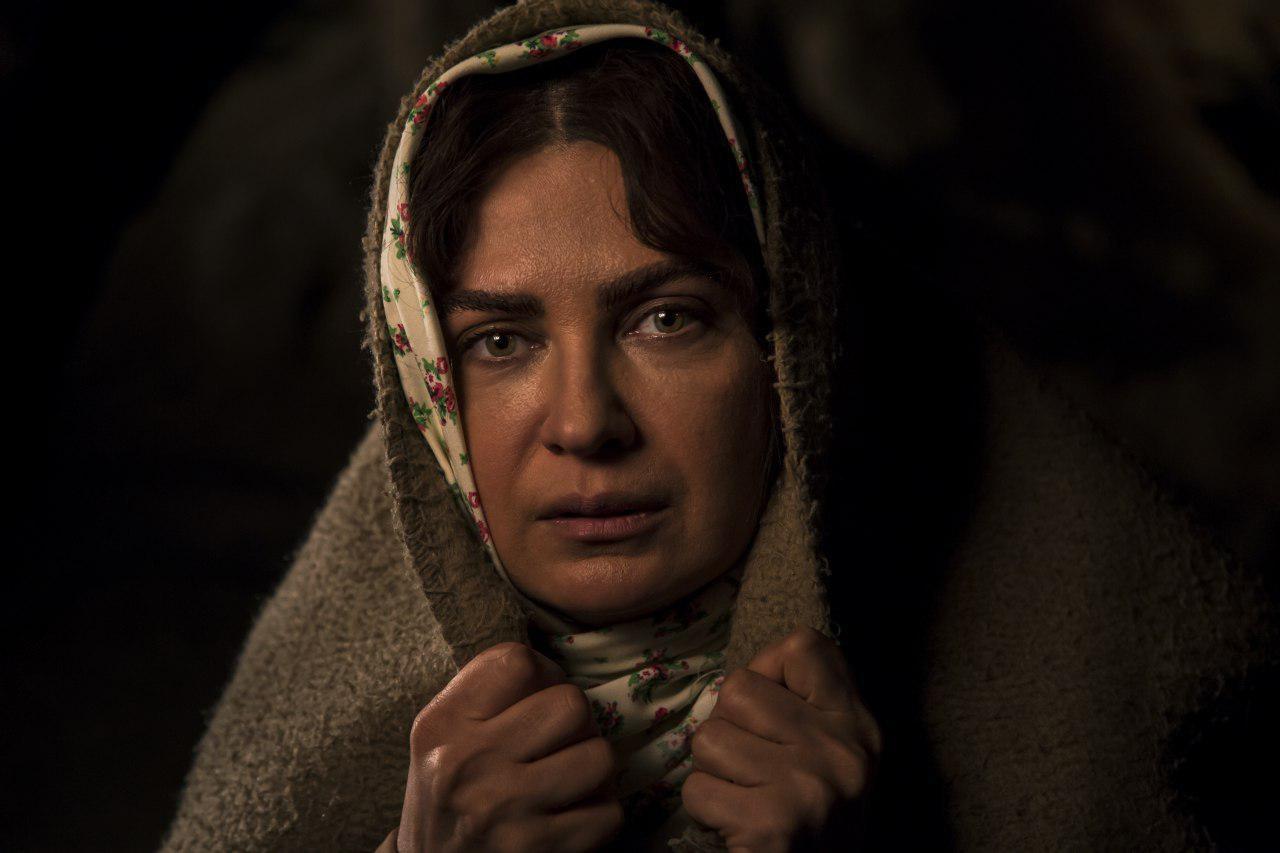 لعیا زنگنه در «زنانی که با گرگها دویدهاند»/ عکس