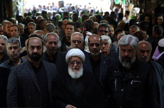 مراسم تشییع هنرمندان عکس تشییع جنازه خانواده حامد هاکان بیوگرافی حامد هاکان اخبار شهر ری