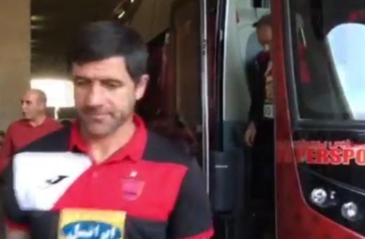 فیلم | ورود تیم پرسپولیس به ورزشگاه آزادی برای بازی با نفت تهران