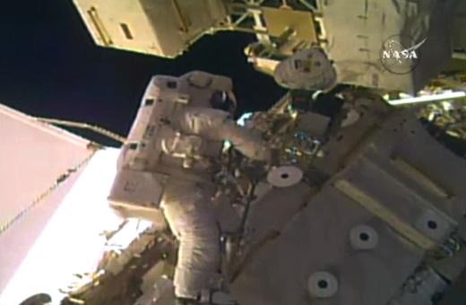 فیلم | قدمزدن ۲ فضانورد آمریکایی خارج از ایستگاه فضایی