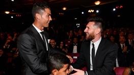 تبریک مسی به رونالدو و بهترینهای فیفا