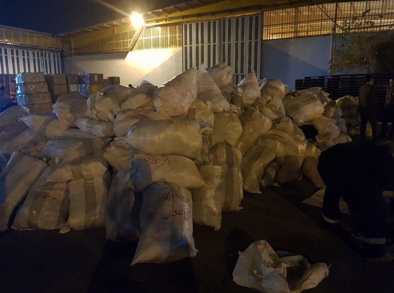 تصاویر | ارسال اقلام موردنیاز زلزلهزدگان به کرمانشاه