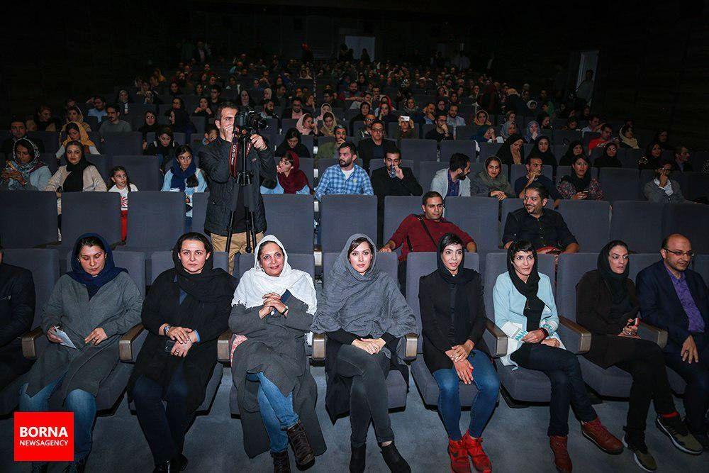تصاویر | اکران خصوصی «صفر تا سکو» به تهیهکنندگی مهتاب کرامتی و خواهران منصوریان