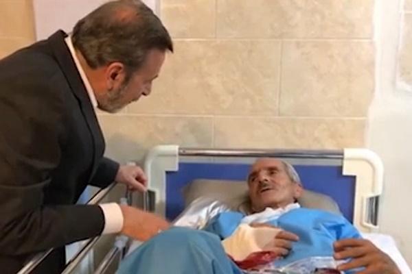 فیلم   عیادت رئیسدفتر رئیسجمهور از مجروحان زلزله کرمانشاه