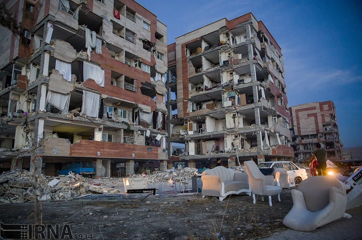 نیاز شدید به وسایل گرمایشی، خوراکی و چادر در مناطق زلزلهزده نگاهی به همه آنچه طی دو روز اخیر در زلزله غرب ایران رخ داده است