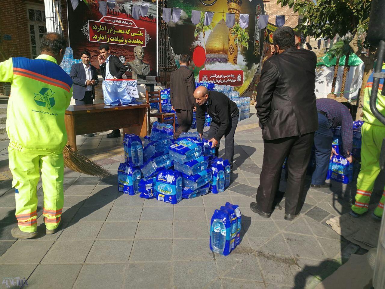 جمعآوری و ارسال اولین محموله کمکهای مردم ارومیه به زلزله زدگان غرب کشور