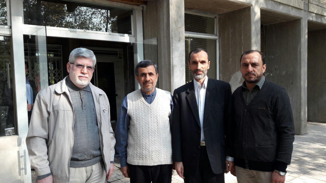 خودزنی احمدینژاد و یارانش/ رویارویی علنی با سران قوا
