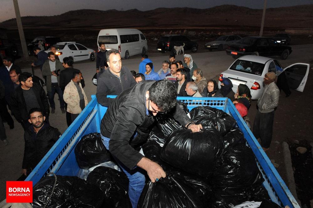 تصاویر | حضور کشتیگیران تیم ملی در مناطق زلزلهزده